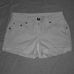 Like new Justice sx 10R white denim shorts